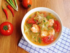 Canh tôm chua nấu khế