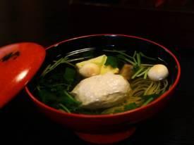 Cách nấu canh gà viên đậu hũ non bổ dưỡng