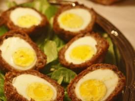 Cách làm thịt bọc trứng gà chiên vàng giòn